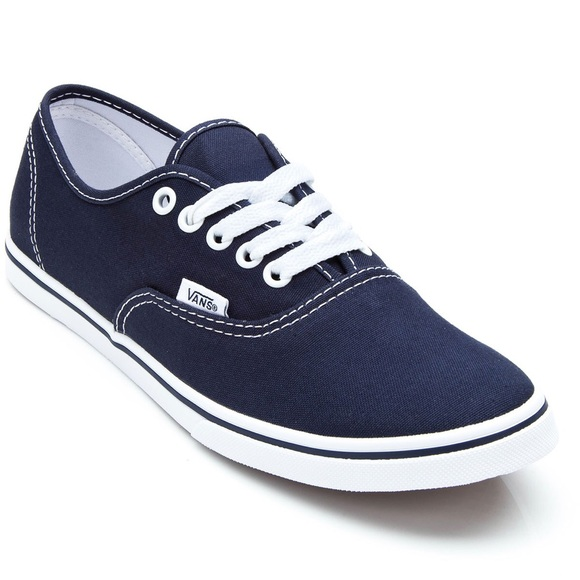 Authentic Lo Pro Navy Vans Women s Size 7 0c953a8fcd2f